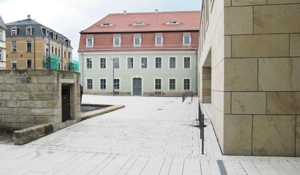 Vorplatz Finanzamt Pirna
