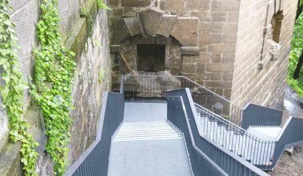 Stahltreppe Schlossberghang
