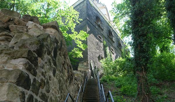 Sandsteintreppe zum Canalettoweg